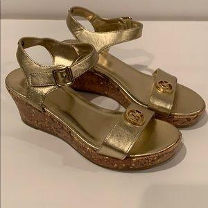 Girls Michael Kors Gold Wedge Sandal Size:4